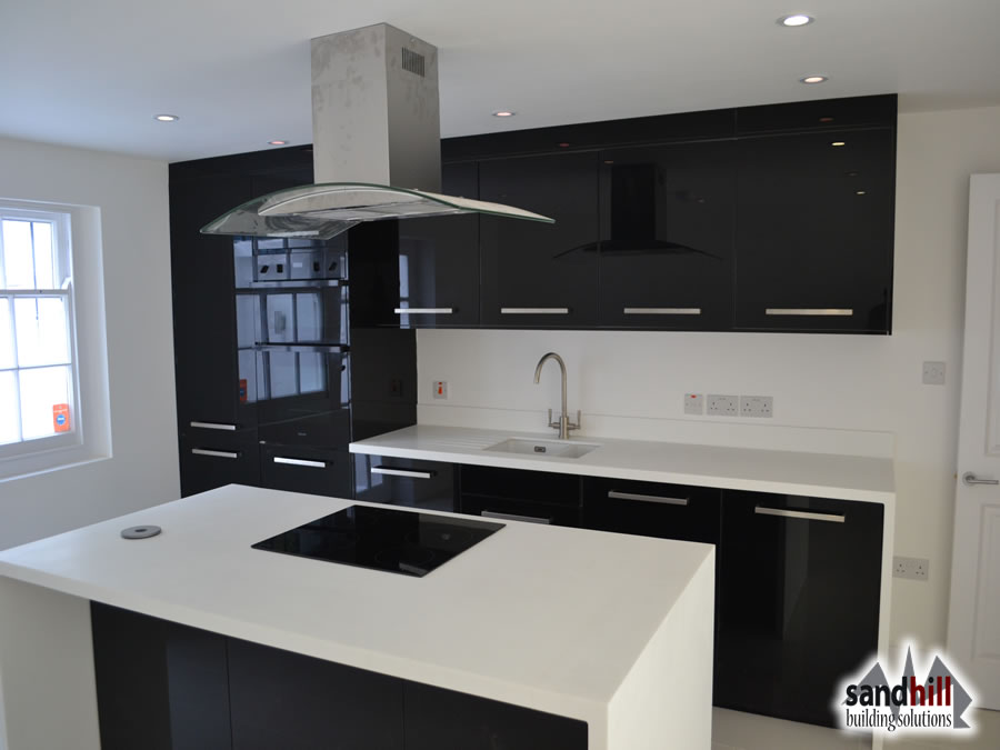 Black Kitchen With White Gloss Units Kitchen Decorating ... on black with white kitchen floor, black with white doors, black with white drawers,